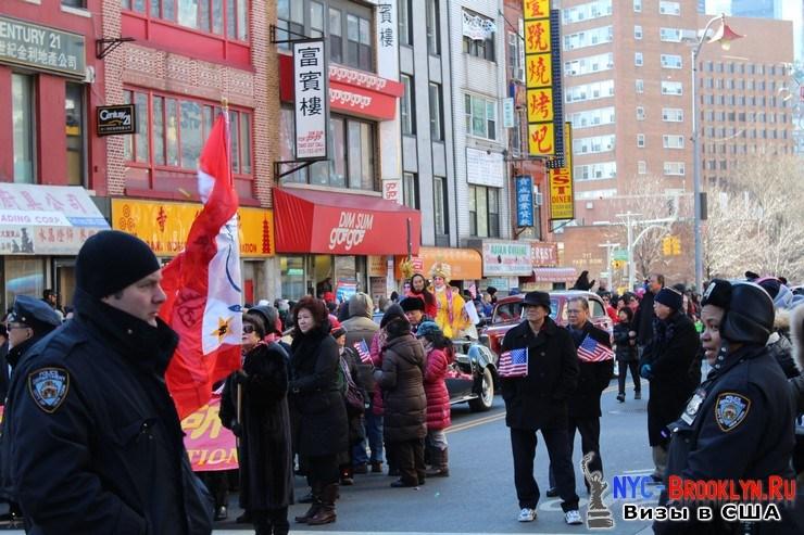31. Парад в Нью-Йорке восточного Нового Года 2013 в Чайна Тауне - NYC-Brooklyn