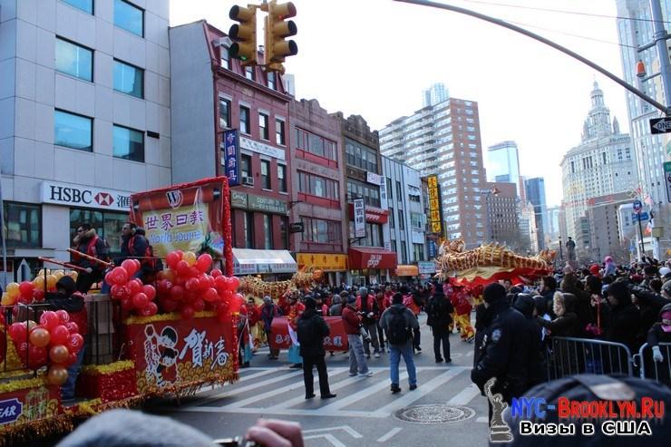 45. Парад в Нью-Йорке восточного Нового Года 2013 в Чайна Тауне - NYC-Brooklyn