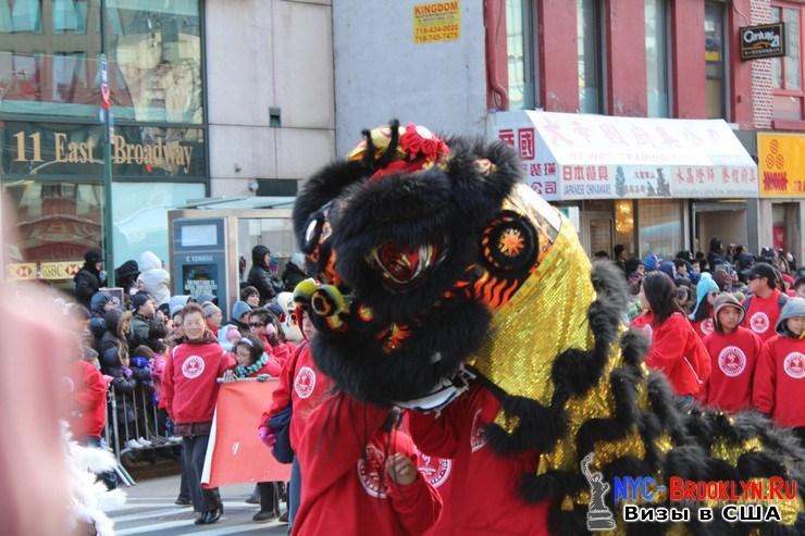 48. Парад в Нью-Йорке восточного Нового Года 2013 в Чайна Тауне - NYC-Brooklyn