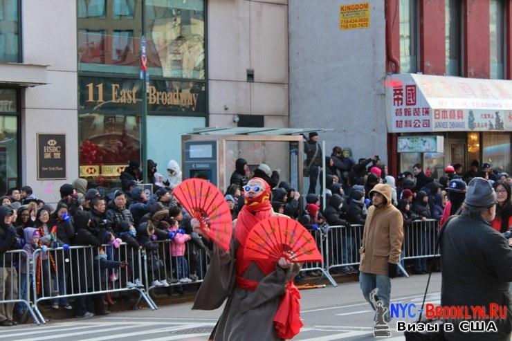 49. Парад в Нью-Йорке восточного Нового Года 2013 в Чайна Тауне - NYC-Brooklyn