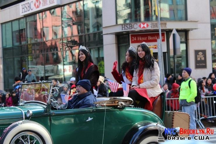 60. Парад в Нью-Йорке восточного Нового Года 2013 в Чайна Тауне - NYC-Brooklyn