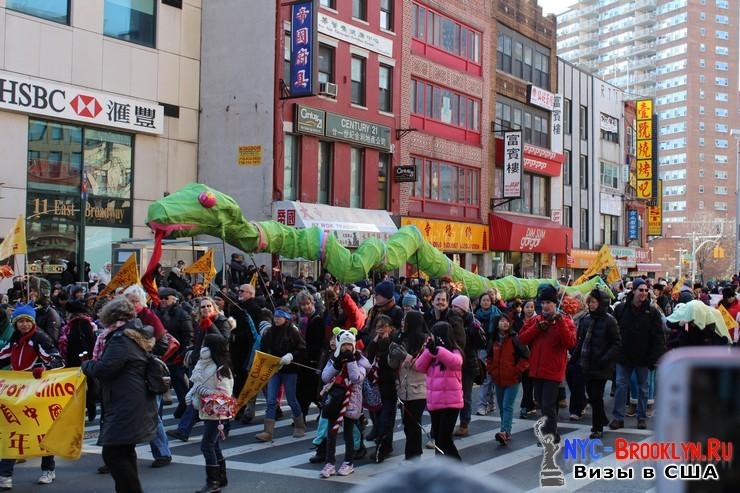 40. Парад в Нью-Йорке восточного Нового Года 2013 в Чайна Тауне - NYC-Brooklyn