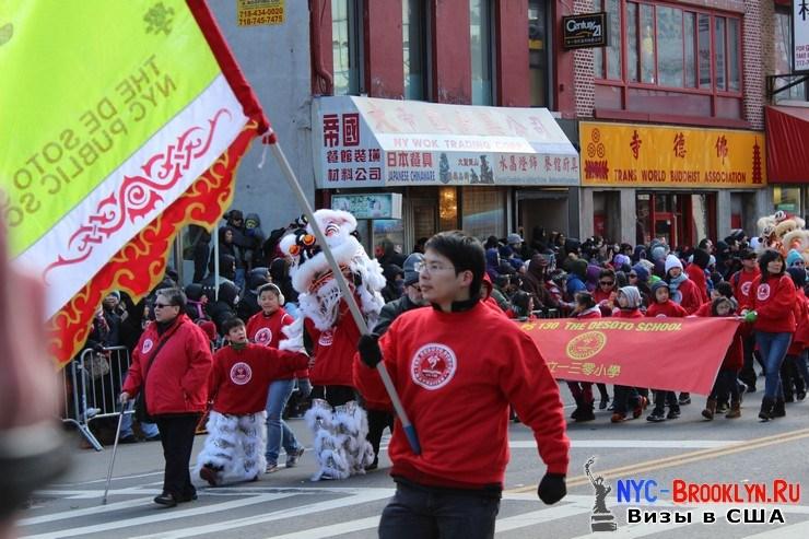 46. Парад в Нью-Йорке восточного Нового Года 2013 в Чайна Тауне - NYC-Brooklyn