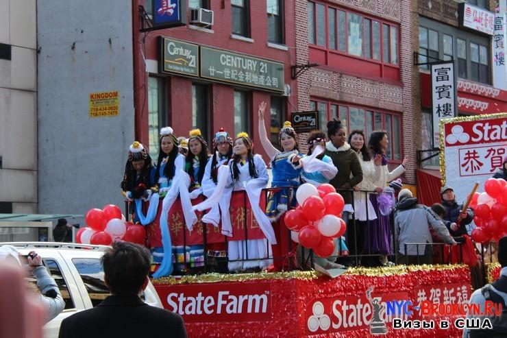 50. Парад в Нью-Йорке восточного Нового Года 2013 в Чайна Тауне - NYC-Brooklyn