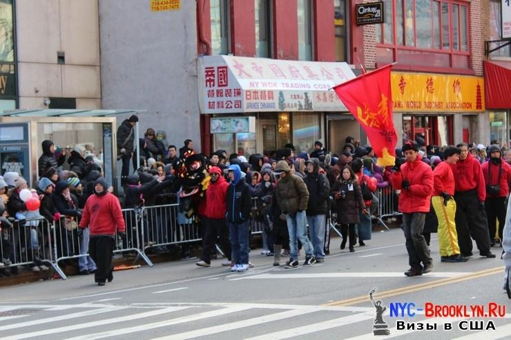 52. Парад в Нью-Йорке восточного Нового Года 2013 в Чайна Тауне - NYC-Brooklyn