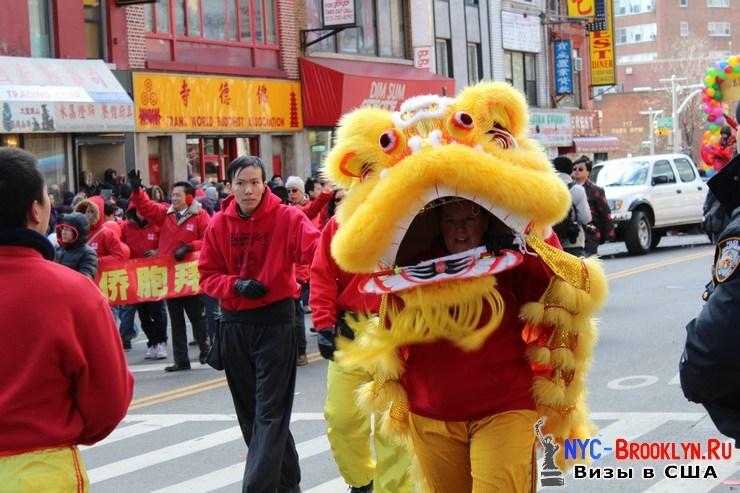 53. Парад в Нью-Йорке восточного Нового Года 2013 в Чайна Тауне - NYC-Brooklyn
