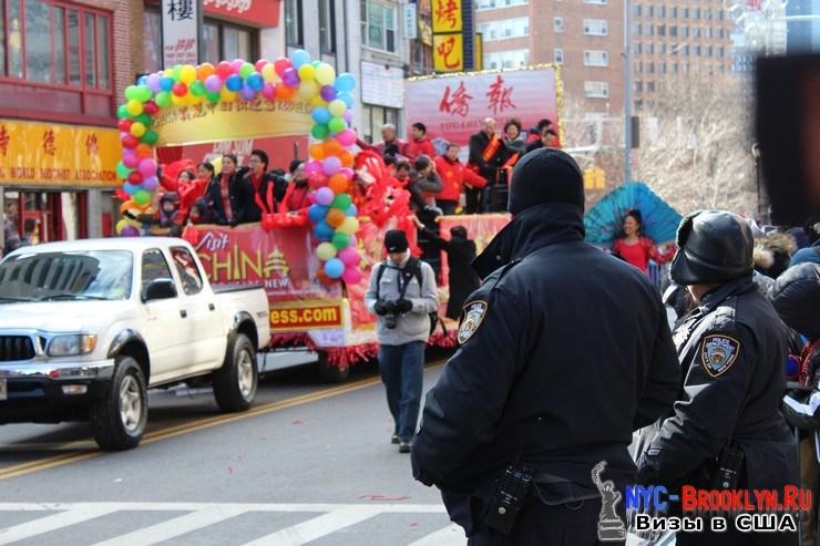 54. Парад в Нью-Йорке восточного Нового Года 2013 в Чайна Тауне - NYC-Brooklyn