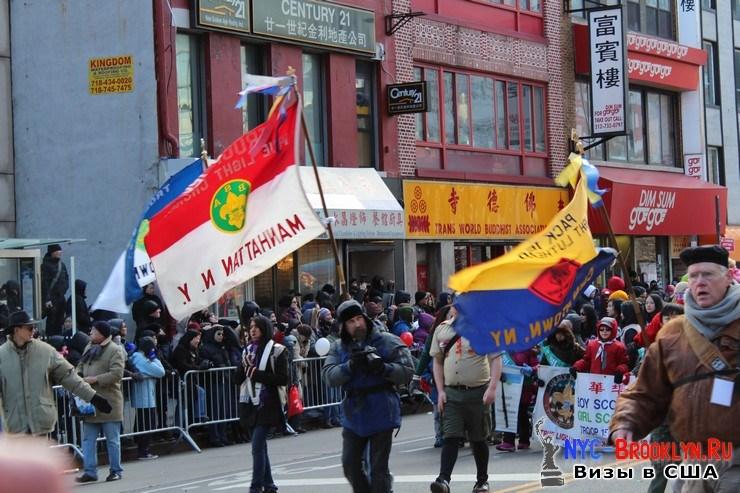 64. Парад в Нью-Йорке восточного Нового Года 2013 в Чайна Тауне - NYC-Brooklyn