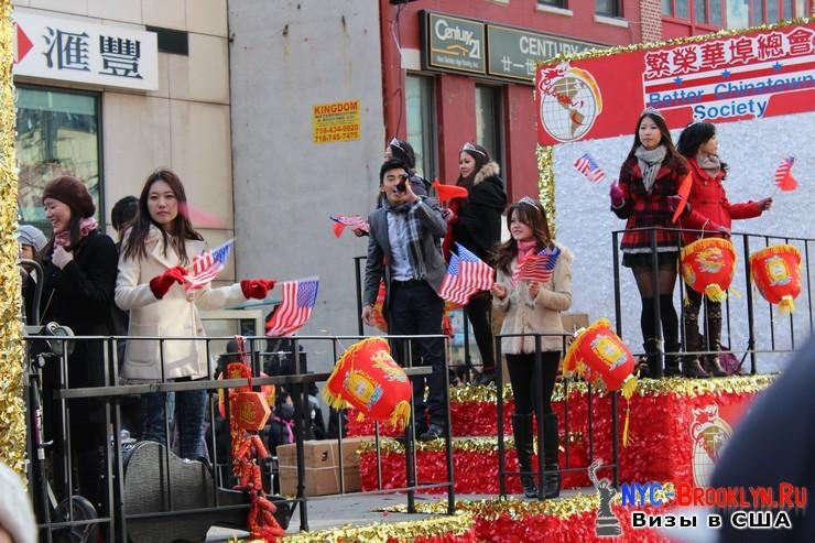 69. Парад в Нью-Йорке восточного Нового Года 2013 в Чайна Тауне - NYC-Brooklyn