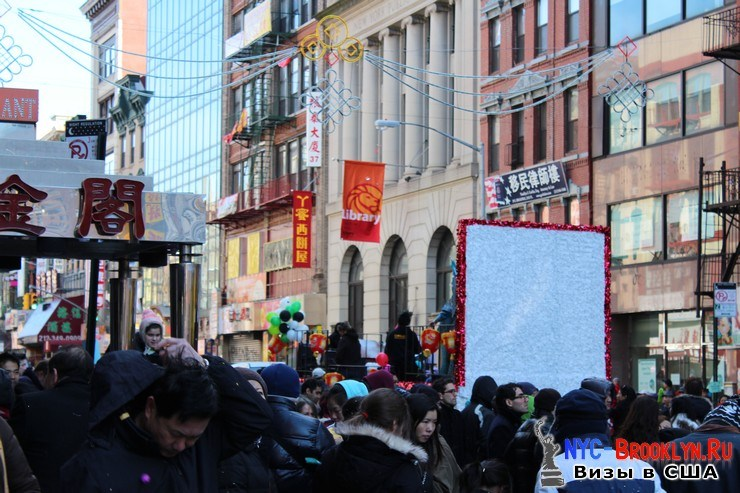 74. Парад в Нью-Йорке восточного Нового Года 2013 в Чайна Тауне - NYC-Brooklyn
