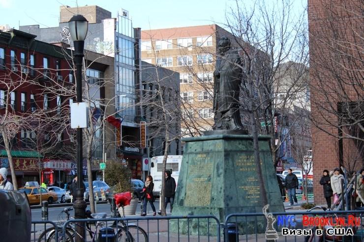 79. Парад в Нью-Йорке восточного Нового Года 2013 в Чайна Тауне - NYC-Brooklyn