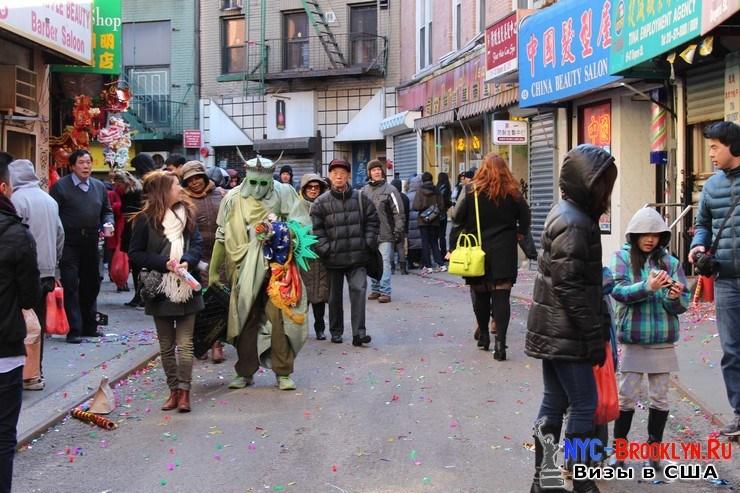 83. Парад в Нью-Йорке восточного Нового Года 2013 в Чайна Тауне - NYC-Brooklyn